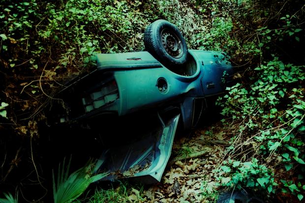 Mulholland Drive car wrecks decay artfully - Photo 10