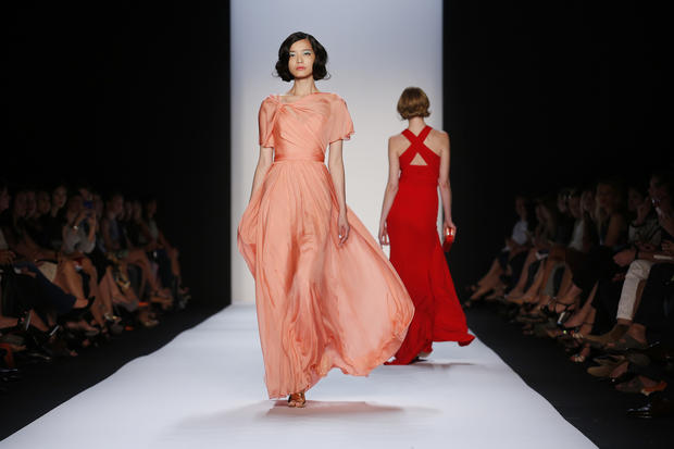 Fashion Week: Glamour rules the runway