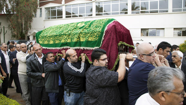 Relatives and friends carry the coffin of a victim of the Nairobi mall attack
