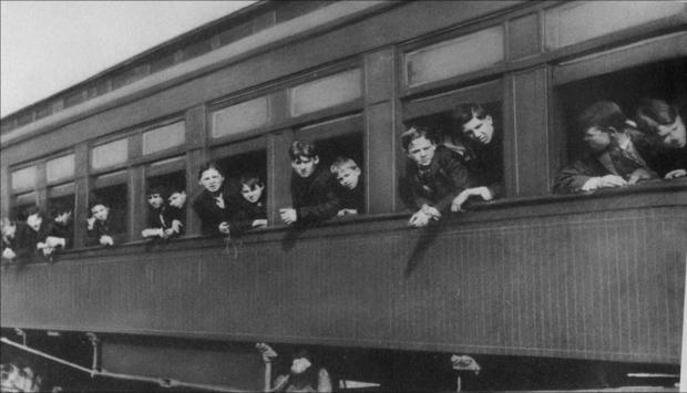 014_Orphan_Train_to_Texas_in_1910.jpg
