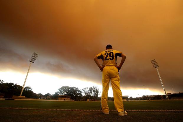 Smoke shrouds Sydney