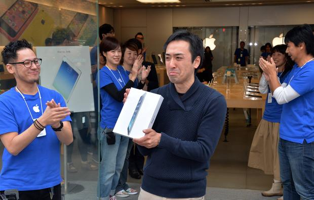 Apple's iPad Air goes on sale around the world