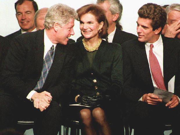 Bill_Clinton_jackie_Kennedy.jpg
