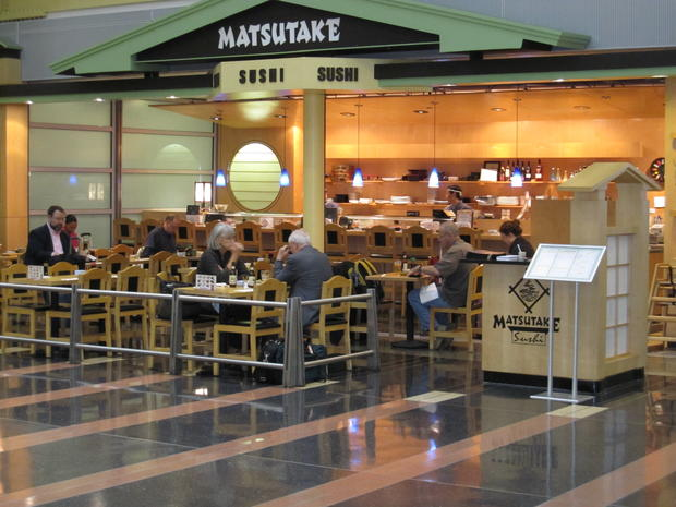 Healthiest airports to eat at during holiday travel