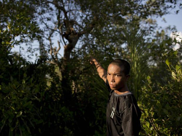 Burma_child_soldiers_AP318367155188.jpg