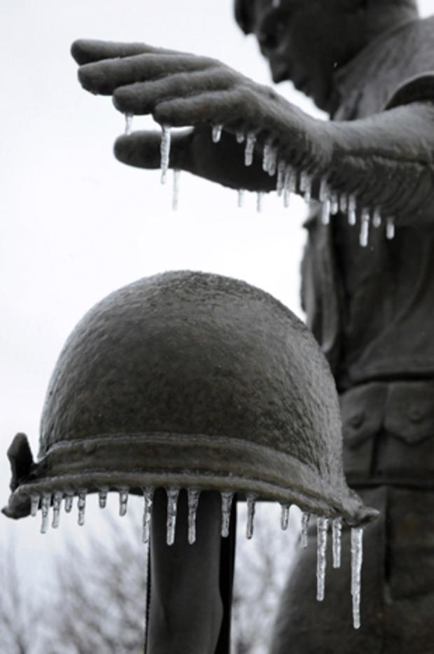 Ice_Storm_AP332567970376.jpg