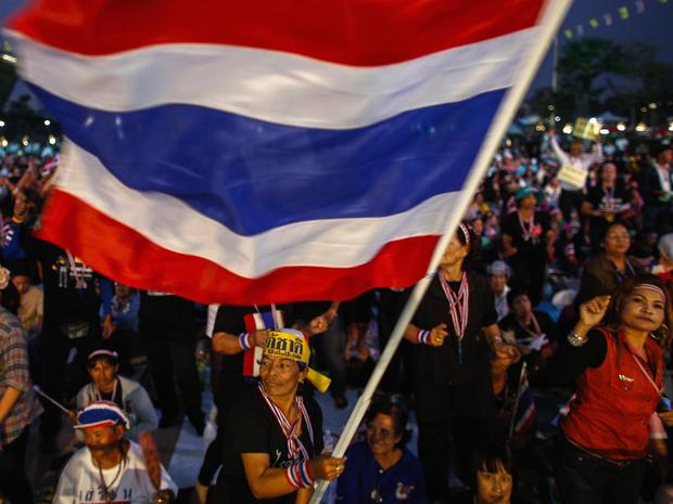 thailand.2013-12-09T032155Z_4_CBRE9B711GS00_RTROPTP_4_THAILAND-PROTEST.jpg