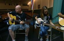 Veterans finding peace through playing guitar