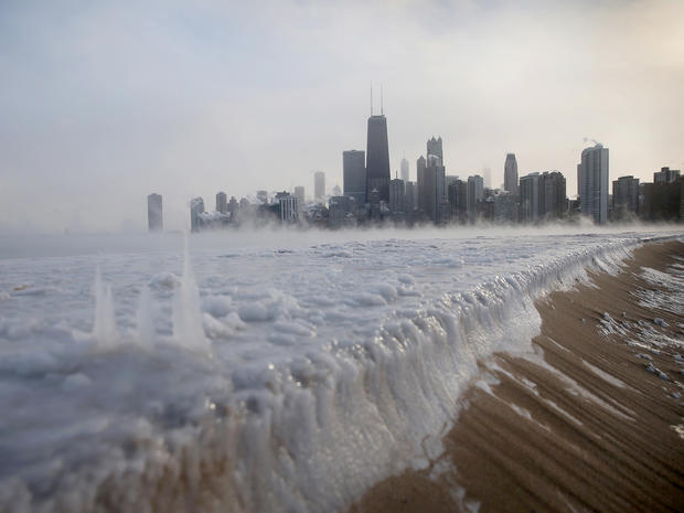 ice_freeze_chicago_46102110.jpg