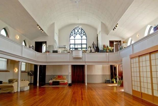 5 churches transformed into homes cbs news - Homes in old churches ...