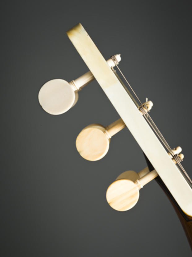 Guitars_pegs_3_TM-00018.jpg