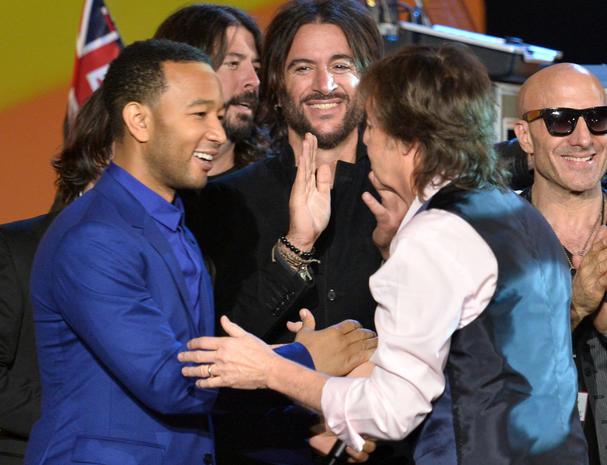 Paul McCartney and John Legend - Stars salute The Beatles at ...