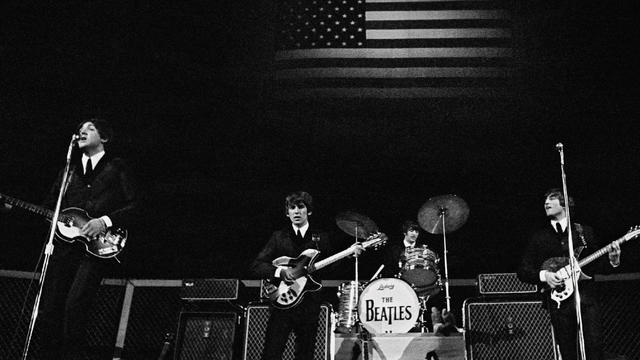 Beatles_Gunderson_64_01_San_Francisco_flag.jpg