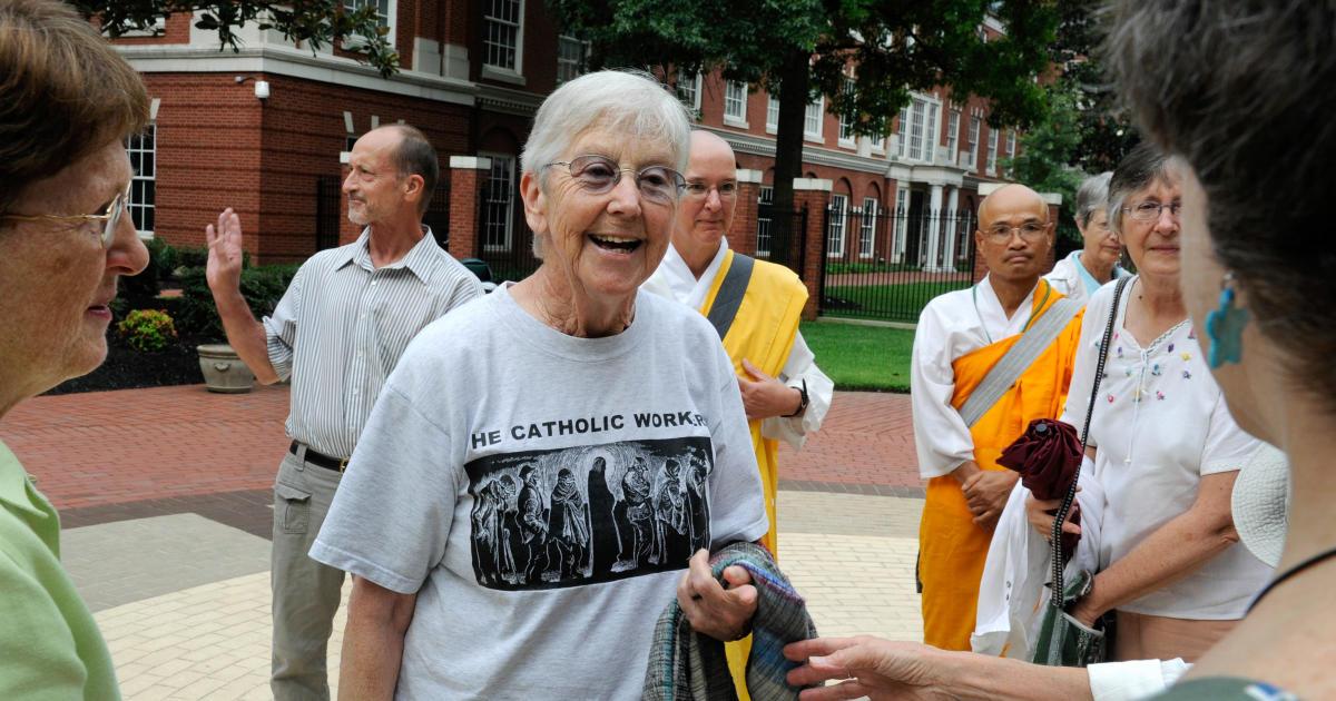 Megan Rice, biarawati yang pernah dipenjara karena saran senjata nuklir, melelahkan di 91 thumbnail