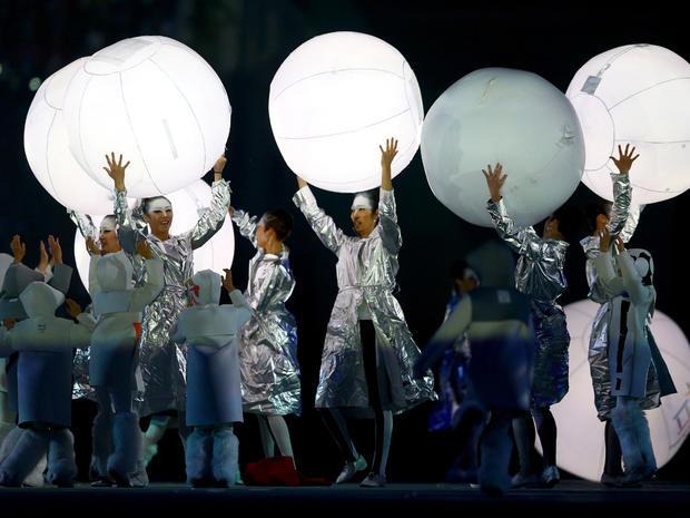 sochi-closing-ceremony-474431631.jpg