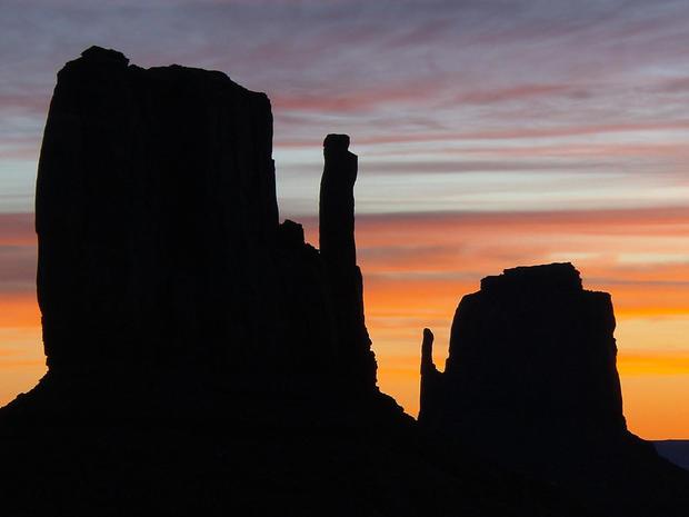 cbs-monument-valley-sunset.jpg