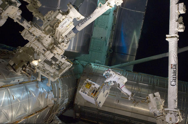 "NASA's real-life ""Gravity"" pics"