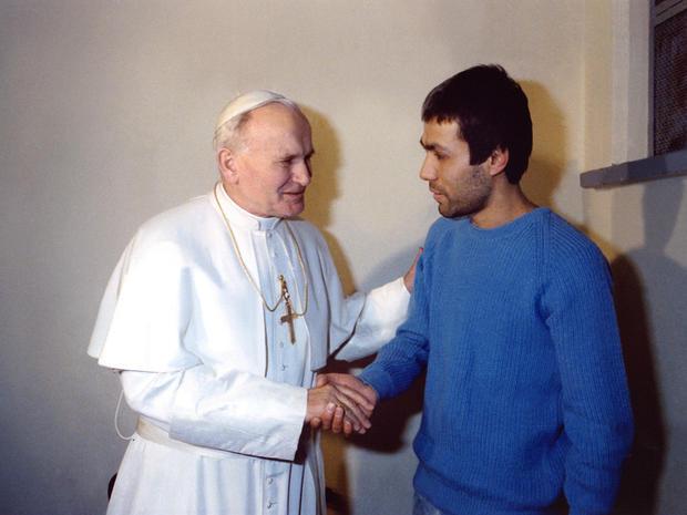 pope-john-paul-108425472.jpg