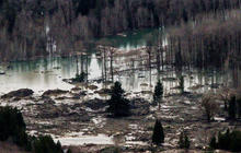 Threat looms after Wash. mudslide kills at least 3