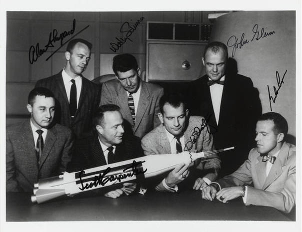 Auctioning space history