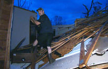 Tornado survivors rush to help first responders