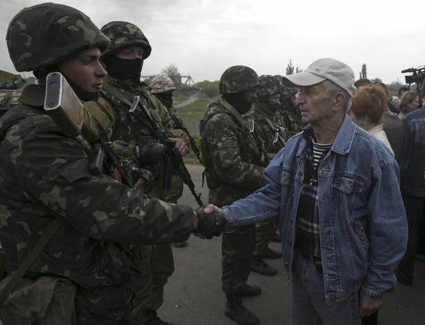 Ukraine moves to retake rebel-held Slavyansk