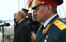 Putin visits Crimea amid deadly Ukraine clashes