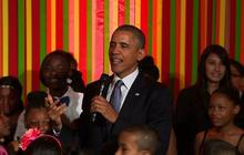 Obama makes surprise appearance at White House talent show
