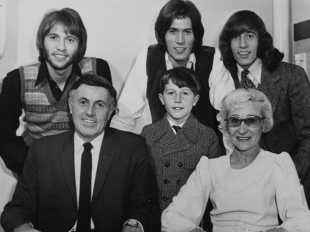 The Gibb Family Barry Gibb And The Bee Gees Pictures