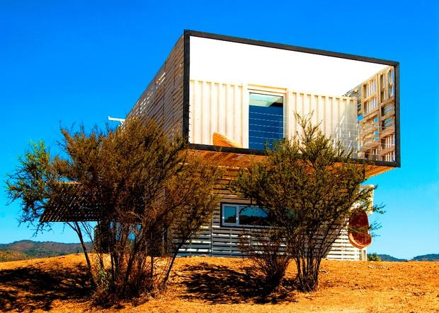 7 homes built with shipping containers cbs news - Pictures of container homes ...