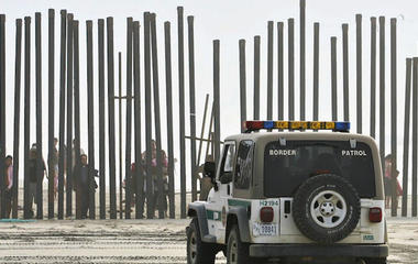 Border battle: Obama vows to act on immigration if Congress won't
