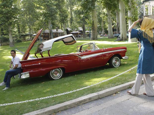 convertibles-ford-fairlane-89115028.jpg