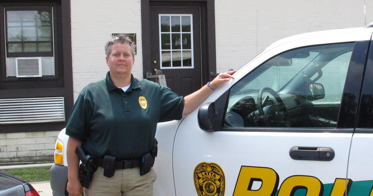 Small South Carolina town rallies for fired gay police chief