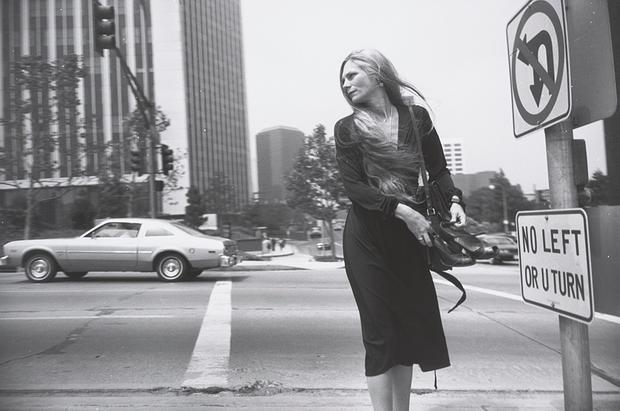 Garry Winogrand: American images