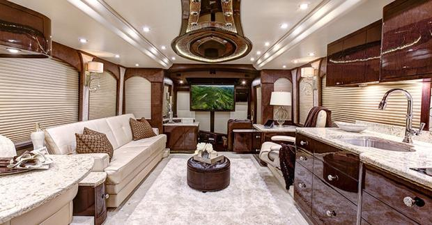 7 incredible multimillion-dollar motorhomes - CBS News