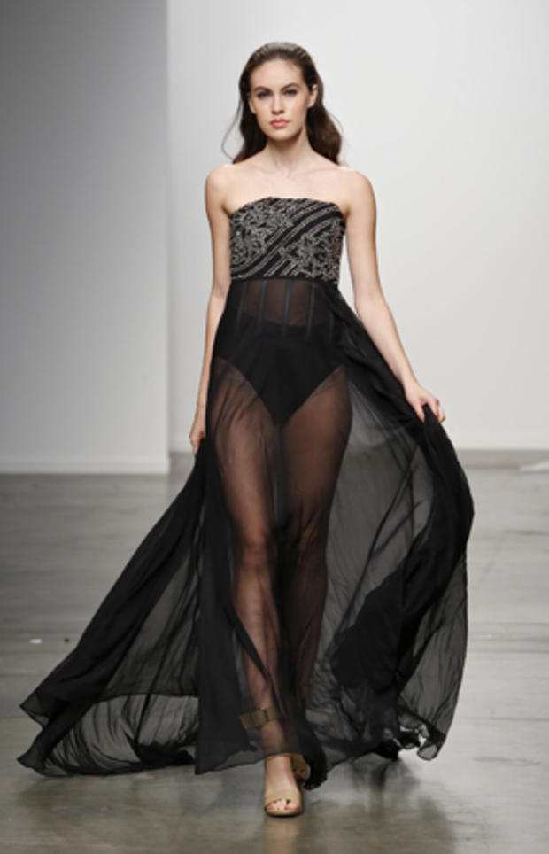ny-fashion-week-sunday-454924182.jpg