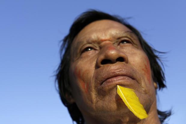 Amazonian tribesmen combat loggers in Brazil