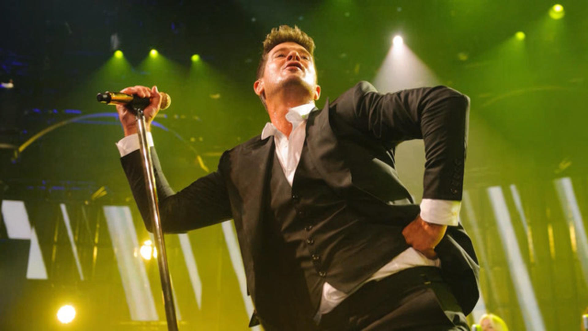 """Angela Marques Porno robin thicke admits to being high while recording """"blurred lines"""""""