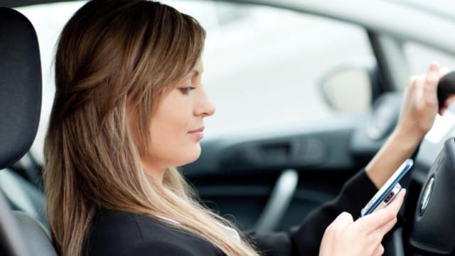 texting-driving-istock000013254456small820x535.jpg