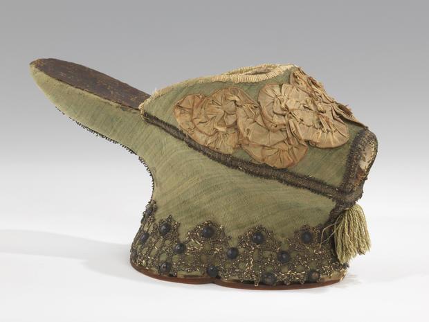 italian-chopine-1550-1650.jpg