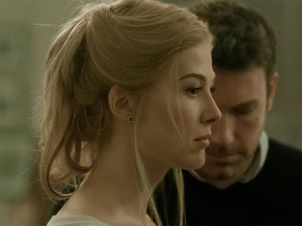 gone-girl-rosamund-pike-ben-affleck-promo.jpg