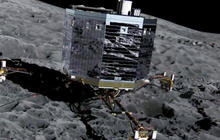 Historic spacecraft landing on a fast-moving comet