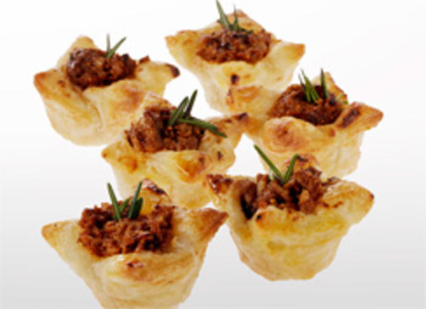 petite-fig-and-caramelized-onion-puffs-244.jpg