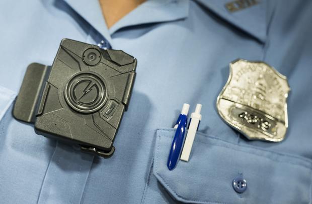 police-body-cameras.jpg