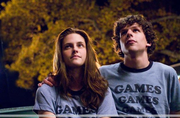 uhq-adventureland-stills-kris-looking-gorgeous-twilight-series-8217686-2560-1679.jpg
