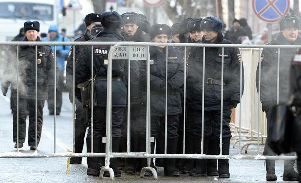 Protests put down in Russia after dissenter sentenced