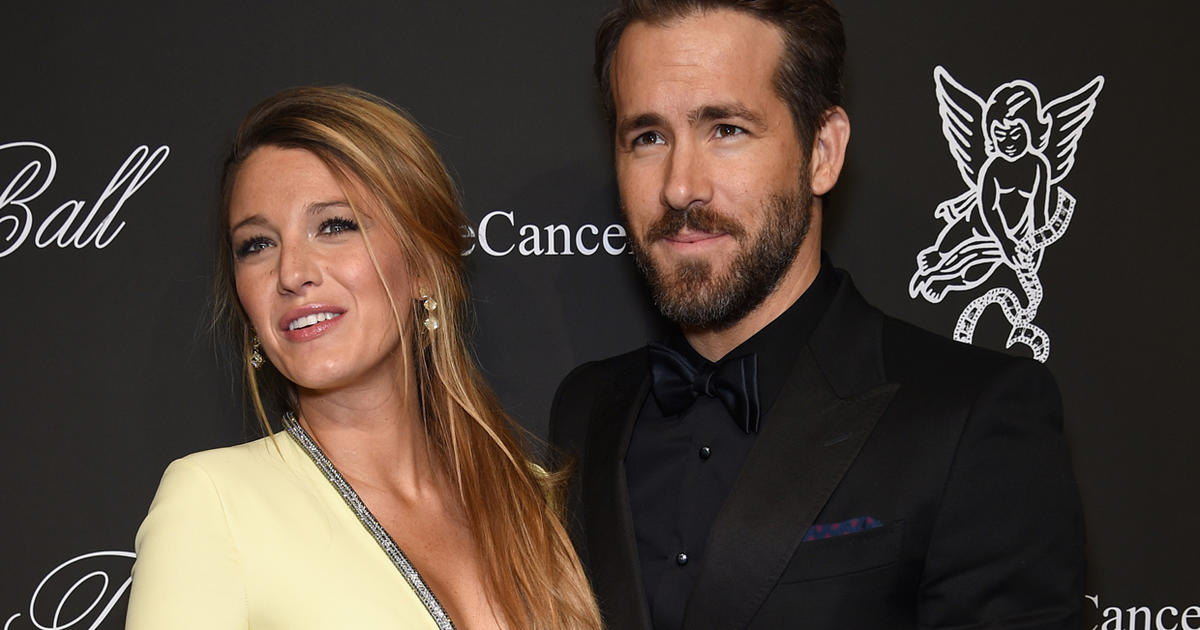 """Ryan Reynolds says he and Blake Lively are """"deeply and unreservedly sorry"""" for plantation wedding"""