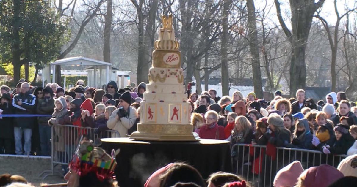 Fans, family celebrate Elvis Presley's birthday - CBS News