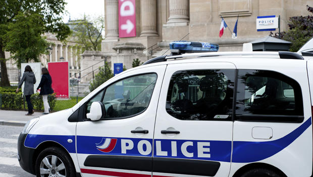 france arrests 5 in alleged lyon plot to attack nightspots and leave for syria cbs news. Black Bedroom Furniture Sets. Home Design Ideas