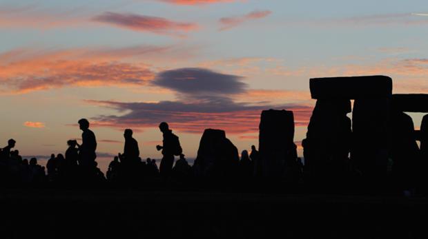stonehenge-102258072.jpg